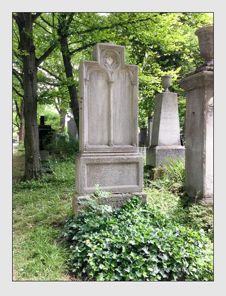 Grab der Familien Ehrlich · Freis · Schröder auf dem Alten Südfriedhof München (Juni 2017)