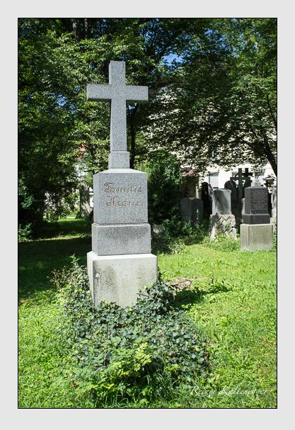 Grab der Familien Kraus · Samweber auf dem Alten Südfriedhof München (August 2012)