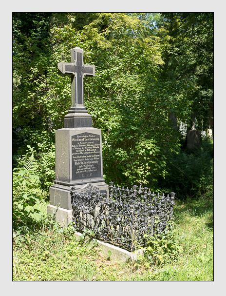 Grab der Familien Scotzniovsky · Strobl auf dem Alten Südfriedhof München (August 2014)