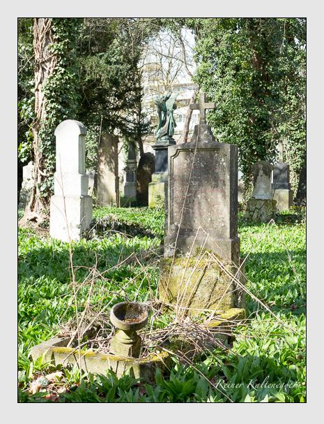 Grab der Familie Hastreiter auf dem Alten Südfriedhof München (März 2016)