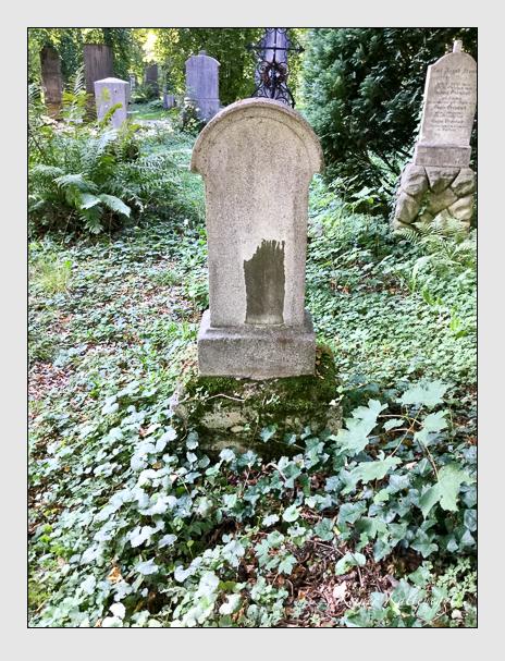 Grab der Familie Gross auf dem Alten Südfriedhof München (Mai 2018)