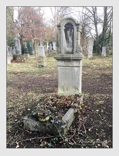 Grab der Familie Pöllmann auf dem Alten Südfriedhof München (Januar 2020)