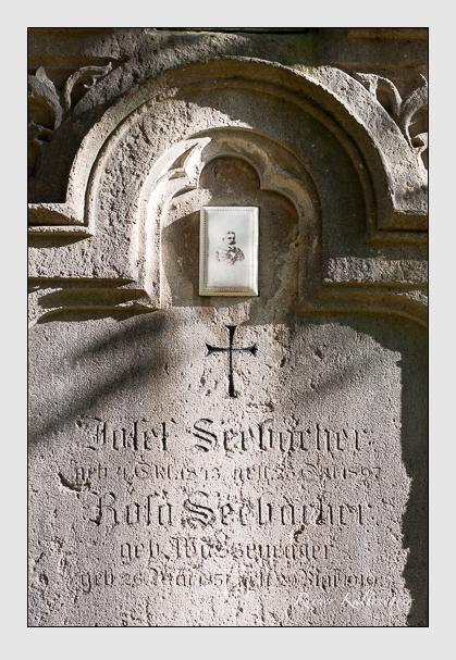 Grab der Familie Seebacher auf dem Alten Südfriedhof München (Oktober 2011)