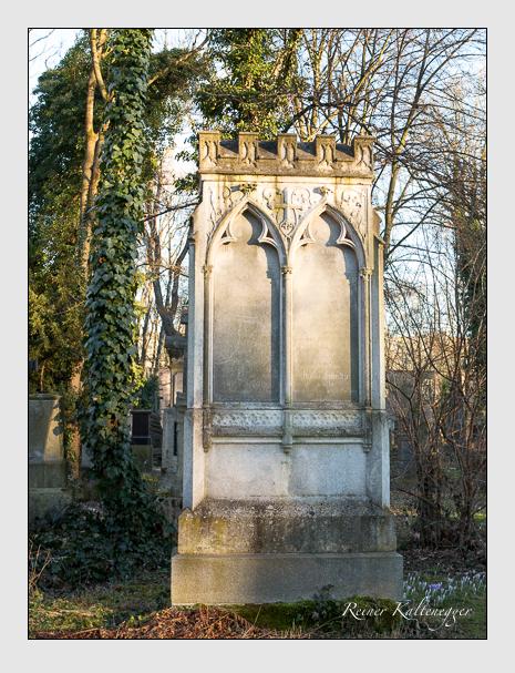 Grab der Familie Schultze auf dem Alten Südfriedhof München (Februar 2014)