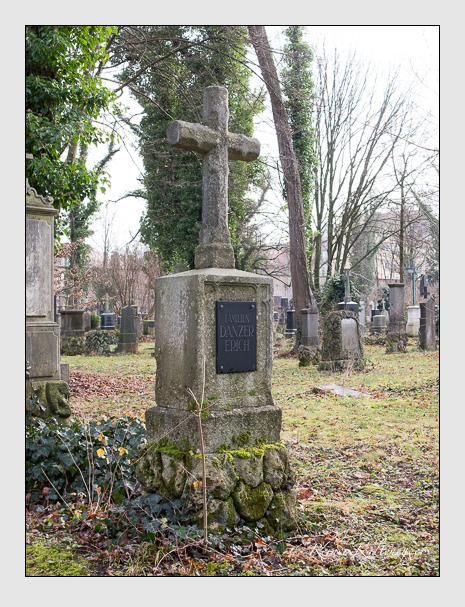 Grab der Familien Danzer · Erich auf dem Alten Südfriedhof München (Dezember 2015)
