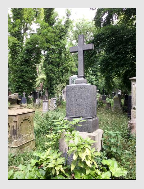 Grab der Familien Laubmann · Trentini auf dem Alten Südfriedhof München (Oktober 2016)
