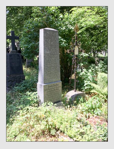Grab der Familie Höfler auf dem Alten Südfriedhof München (Oktober 2016)