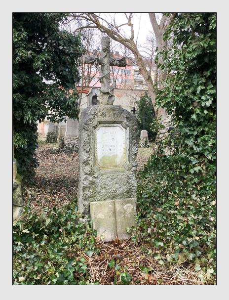 Grab der Familie Ney auf dem Alten Südfriedhof München (März 2018)