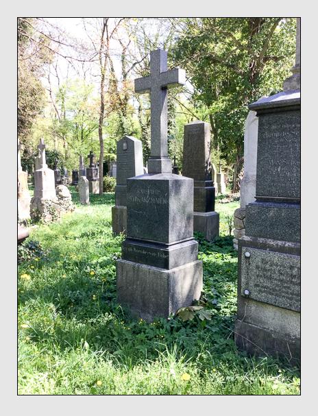 Grab der Familie Schwarzmaier auf dem Alten Südfriedhof München (April 2018)
