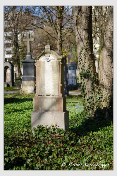 Grab der Familie Ortmann auf dem Alten Südfriedhof München (März 2021)
