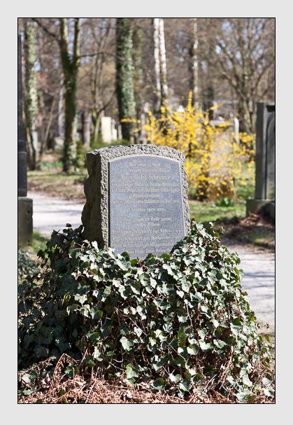 Grab der Familie Schreiner auf dem Alten Südfriedhof München (März 2008)