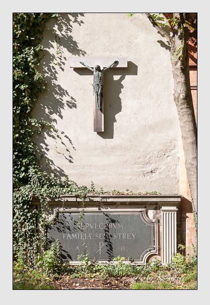 Grab der Familie Senestrey auf dem Alten Südfriedhof München (Oktober 2008)