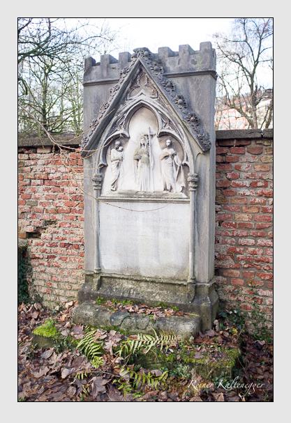 Grab der Familie Dörnberg auf dem Alten Südfriedhof München (Dezember 2012)