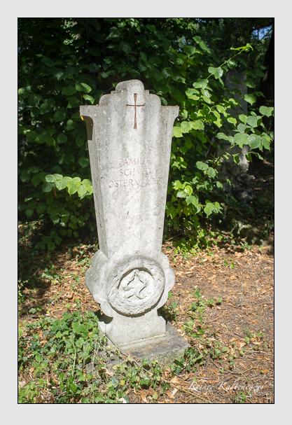 Grab der Familien Schmid · Ostermayer auf dem Alten Südfriedhof München (Juli 2013)