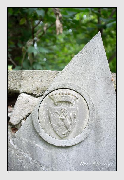 Grab der Familien Lodron-Laterano · Sutner auf dem Alten Südfriedhof München (August 2013)