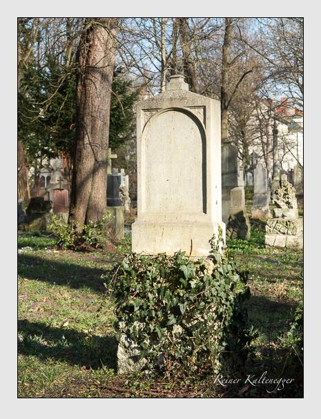 Grab der Familie Frauenknecht auf dem Alten Südfriedhof München (März 2014)