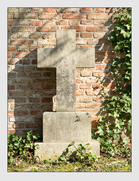 Grab der Familie Redwitz auf dem Alten Südfriedhof München (März 2014)