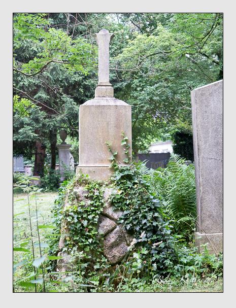 Grab der Familie Daut auf dem Alten Südfriedhof München (Juni 2014)
