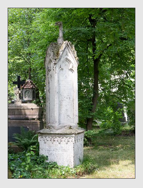 Grab der Familien Schindler · Schuh auf dem Alten Südfriedhof München (Juni 2014)