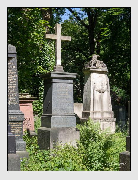 Grab der Familien Ilg · Kaiser auf dem Alten Südfriedhof München (Juni 2015)