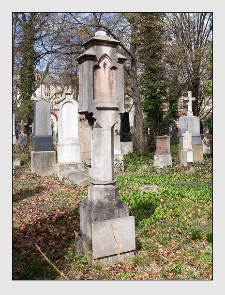 Grab der Familie Leichtle auf dem Alten Südfriedhof München (März 2016)