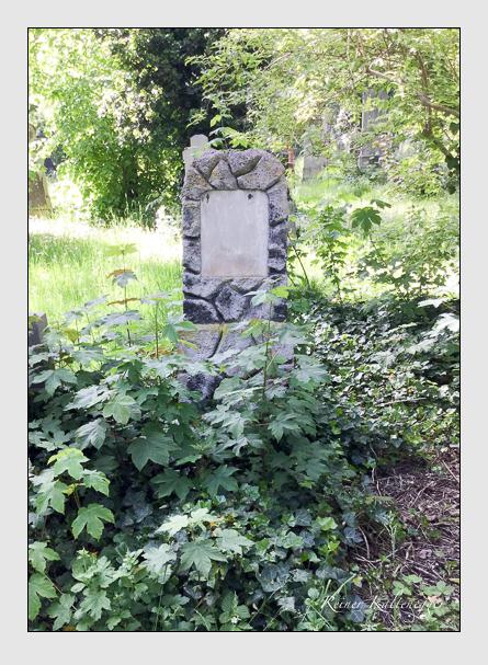 Grab der Familie Fröschl auf dem Alten Südfriedhof München (Mai 2016)