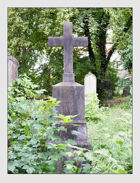 Grab der Familien Pfefferle · Schmid auf dem Alten Südfriedhof München (Juli 2016)