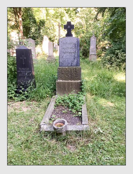 Grab der Familien Müller · Pestalozza auf dem Alten Südfriedhof München (Juli 2016)