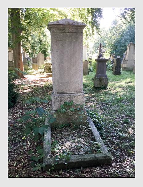 Grab der Familie Steigenberger auf dem Alten Südfriedhof München (Oktober 2016)