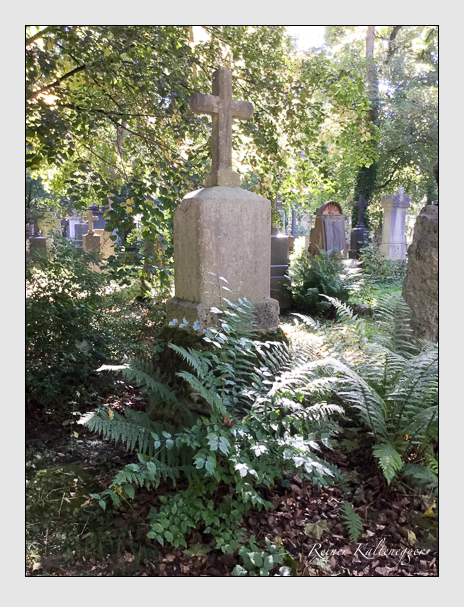 Grab der Familien Eheberg · Enhuber · Roßmann auf dem Alten Südfriedhof München (Oktober 2016)
