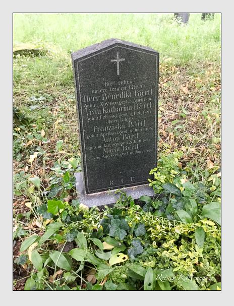 Grab der Familien Bärtl · Stiglmayr auf dem Alten Südfriedhof München (Oktober 2016)