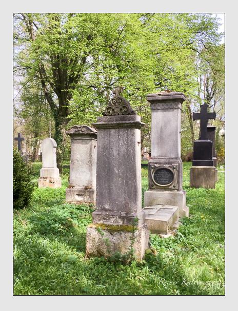 Grab der Familien Schuller · Sutner auf dem Alten Südfriedhof München (Oktober 2016)