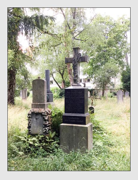 Grab der Familien Fischer · Giehrl auf dem Alten Südfriedhof München (Oktober 2016)