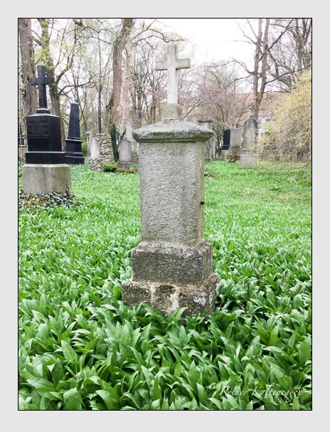 Grab der Familie Mayrhofer auf dem Alten Südfriedhof München (April 2018)