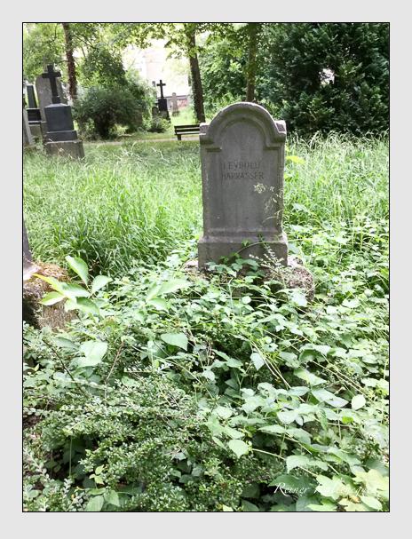 Grab der Familien Harrasser · Leybold auf dem Alten Südfriedhof München (Mai 2018)