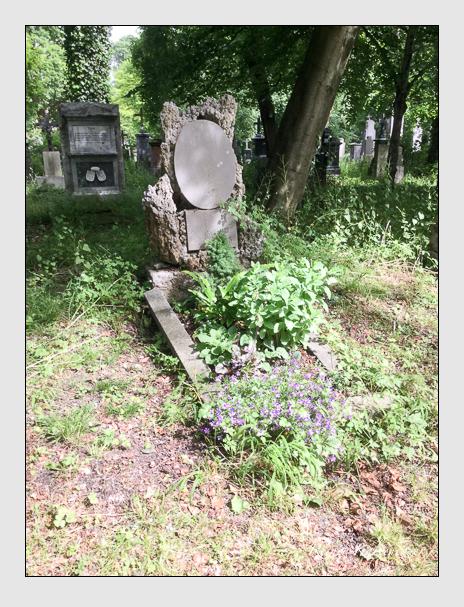 Grab der Familie Heilmayr auf dem Alten Südfriedhof München (Mai 2018)