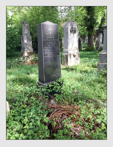Grab der Familien Mayer · Urban auf dem Alten Südfriedhof München (April 2019)