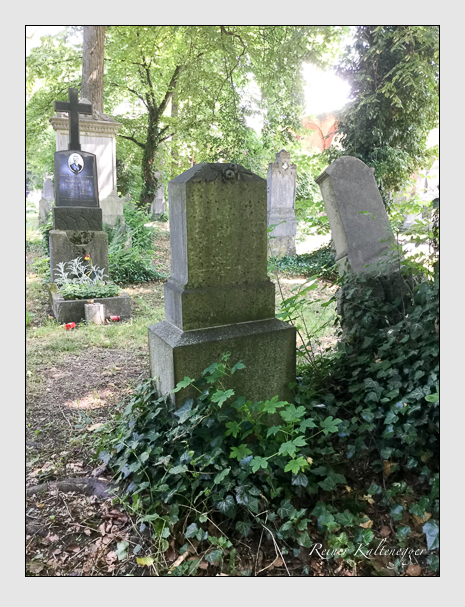 Grab der Familie Bolz auf dem Alten Südfriedhof München (Juli 2019)