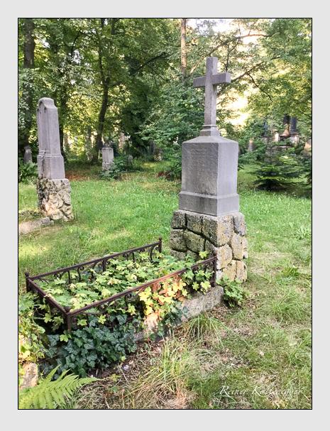 Grab der Familie Holl auf dem Alten Südfriedhof München (August 2019)
