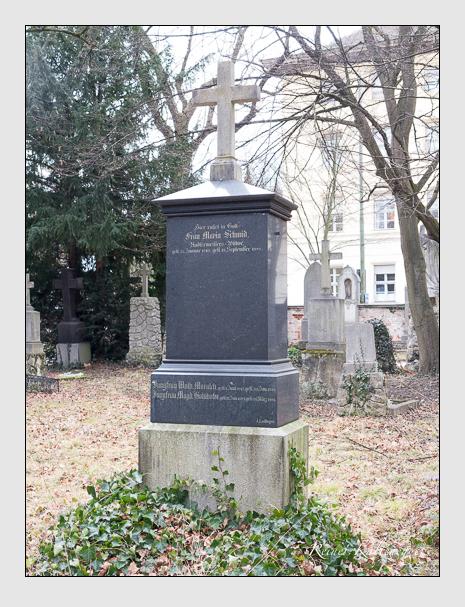 Grab der Familien Kohlhofer · Morasch · Schmid auf dem Alten Südfriedhof München (Februar 2020)