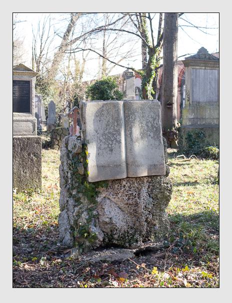 Grab der Familien Hofmann · Koller auf dem Alten Südfriedhof München (Februar 2020)