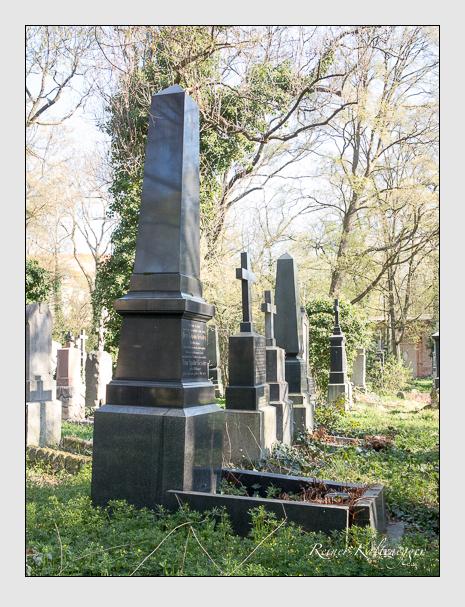 Grab der Familien Geissler · Rössle auf dem Alten Südfriedhof München (April 2020)