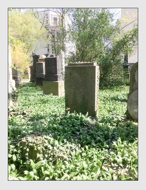 Grab der Familie Stapf auf dem Alten Südfriedhof München (April 2020)