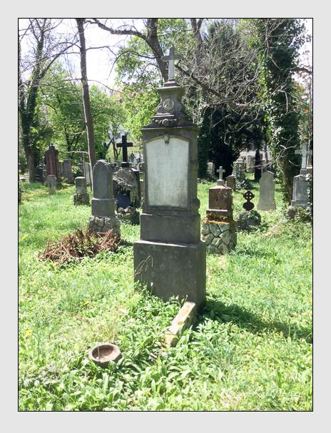 Grab der Familien Bell · Wiesenberger auf dem Alten Südfriedhof München (April 2020)