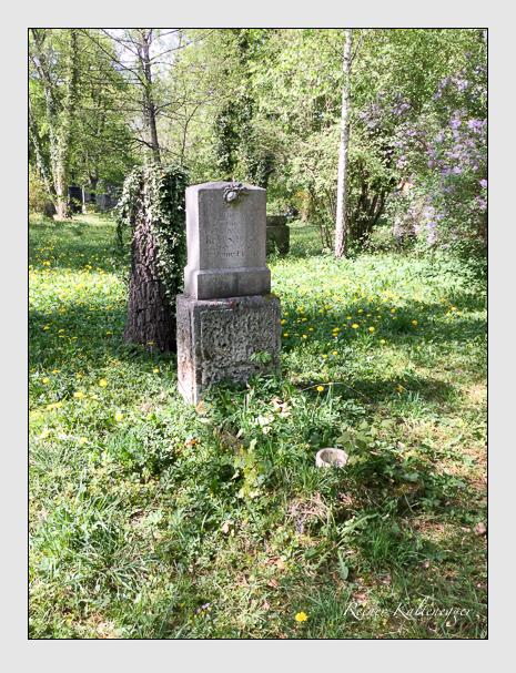 Grab der Familie Schiessl auf dem Alten Südfriedhof München (April 2020)