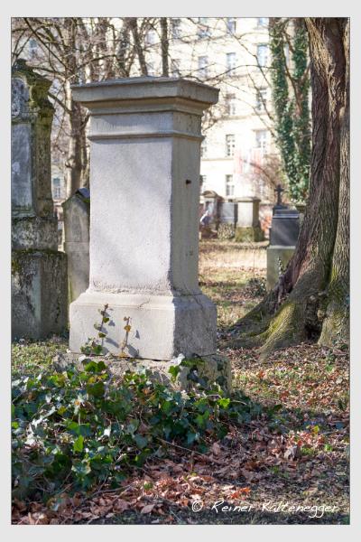 Grab der Familien Ertl · Fischer auf dem Alten Südfriedhof München (Februar 2021)