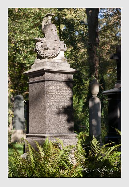 Grab der Familie Hasselwander auf dem Alten Südfriedhof München (Oktober 2011)