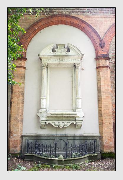 Grab der Familie Gruber auf dem Alten Südfriedhof München (Juli 2012)