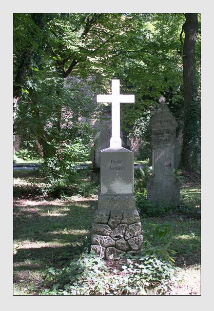 Grab der Familie Hänlein auf dem Alten Südfriedhof München (August 2012)