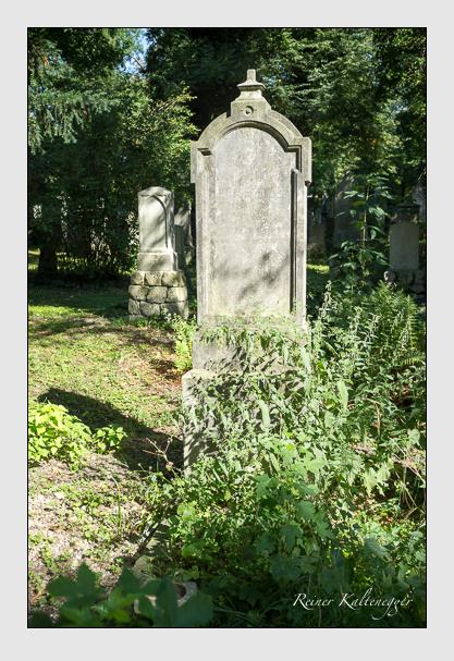 Grab der Familie Holzmüller auf dem Alten Südfriedhof München (August 2012)